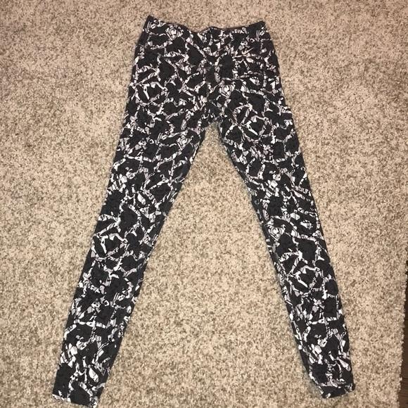Nike Pants - Patterned Nike leggings
